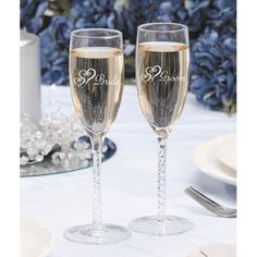 Etched+Bride+and+Groom+Champagne+Glasses+
