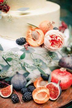 photo by Anastasiya Belik, flowers by Marina Shentyapina, decor by PEONY art decoration studio (fruit flowers cake) Fruit Flowers, Table Flowers, Fruit Wedding, Wedding Table, Pomegranate Wedding, Apricot Wedding, Wedding Colors, Wedding Flowers, Tuscan Wedding