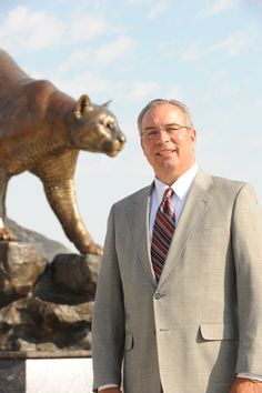 Washington State Athletic Director Bill Moos has a message for WSU fans. #GoCougs