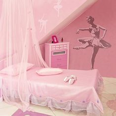 Colorful and Playful Pink Kids' Bedroom Girl Bedroom Designs, Bedroom Themes, Bedroom Decor, Bedroom Ideas, Bedroom Wall, Cool Kids Bedrooms, Teen Girl Bedrooms, Ballerina Bedroom, Ideas Habitaciones