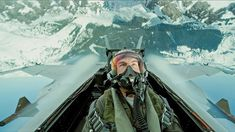 Tom Cruise is back in the new Top Gun trailer. Cruise is set for Top Gun: Maverick, as he teaches a new class of recruits how to fly. Top Gun Film, Top Gun Movie, Top Movies, Miles Teller, Val Kilmer, Jon Hamm, Jennifer Connelly, Tom Cruise, Anthony Edwards