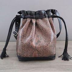 ✃ BY NATH sur Instagram: Je me rends compte que je ne vous ai pas encore montré le sac Calypso de @patrons_sacotin que j'ai cousu et offert à la soeur de ma…