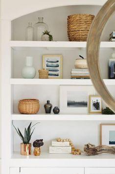Unbelievable Tips: Warm Minimalist Interior Simple minimalist kitchen tiles Decor Wall Spaces minimalist bedroom gold apartment Kitchen Tiles Simple. Interior Simple, Minimalist Interior, Minimalist Bedroom, Minimalist Decor, Interior Design, Minimalist Design, Minimalist Apartment, Minimalist Furniture, Studio Interior