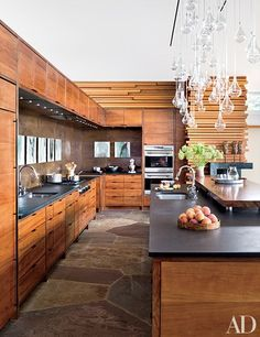 Architect Peter Gluck and his son, Thomas, designed this boldly contemporary retreat in North Carolina's Blue Ridge Mountains   archdigest.com