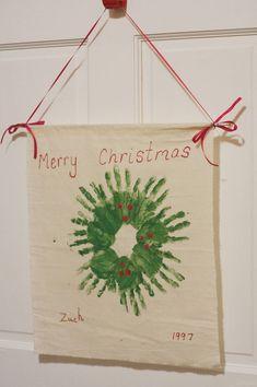 子供の手形で作るタペストリー型クリスマスリーフの作り方