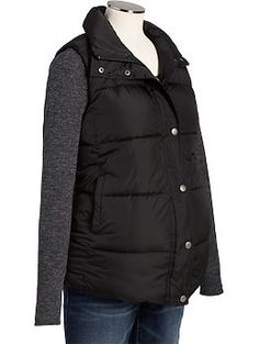 Step outside in style with maternity coats and jackets. No matter the weather, Old Navy has got you covered with a selection of outerwear. Maternity Winter Coat, Maternity Jacket, Cheap Maternity Clothes, Pregnancy Wardrobe, Maternity Wardrobe, Maternity Fashion, Pregnancy Fashion, Maternity Style, Winter Jackets