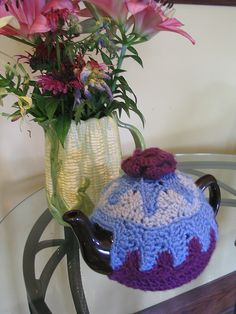 This reminds me of summers at the cottage having 'tea time'. Tea Cozy, Coffee Cozy, Coffee Mugs, Knitted Tea Cosies, Cozies, Kiwi, Tea Time, Sewing, Crochet