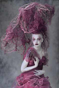 Agnieszka-Jopkiewicz-makeupstyling-by-photographer-Agnieszka-Pietron.jpg (803×1200)