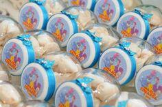 Baleiro de plástico transparente de 150ml. <br> ***RÓTULO NA TAMPA OU DO LADO*** <br> <br>Opções de cores para as tampas: rosa, branco, azul e lilás.
