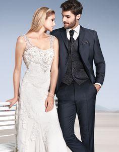TZIACCO | www.tziacco.de | www.wilvorst.de | #TZIACCO #WILVORST #Anzug #suit #Royal #TrendLine #Hochzeitsavantgarde #Uniform #jungeMode #Event #Konzert #Gala #Gehrock #tailcoat #Trend #King #royals #royalslook #ootd #Inspiration #wedtime #becauseofyou