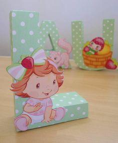 Lindas letras decorativas no tema moranguinho baby! Perfeito para decoração de…