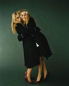 #olsen #sisters in cute #trenchcoats