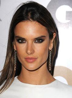 Smokey Eyes and Sleek Ombré Hair / Alessandra Ambrosio always gets it right #beauty