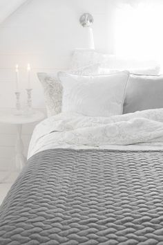 Lennol | TOVI Cushion, White & BLACKBIRD Duvet cover set, White