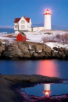 Nubble Lighthouse, York, Maine (96 pieces)