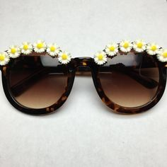 New York Tortoise Daisy Flower Sunglasses by ObsessedShades