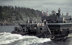 https://flic.kr/p/wci8st | German light antiaircraft artillery support | German light  antiaircraft artillery support ferry Siebel 1942 at Lahdenpohja, Karelo-Finnish SSR 13.08.1942 Author Carl Rosenquist