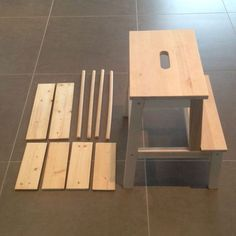 For several weeks, my father Loulou (who will have 16 months this weekend) cu . - Ikea DIY - The best IKEA hacks all in one place Wood Shop Projects, Woodworking Projects For Kids, Keep Calm And Diy, Diy Stool, Ikea Stool, Learning Tower, Bois Diy, Ikea Kids, Best Ikea