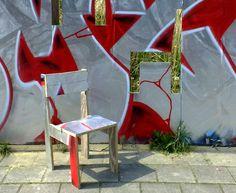 Guerilla Upcycling transforme tout ce qui traîne en mobilier! http://www.humanosphere.info/2015/12/guerilla-upcycling-transforme-tout-ce-qui-traine-en-mobilier/ via @humanosphere