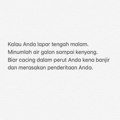 Lapar tengah malam Fat Quotes Funny, Jokes Quotes, Mood Quotes, Life Quotes, It Will Be Ok Quotes, Funny Tweets Twitter, Funny Chat, Quotes Lucu, Quotes White
