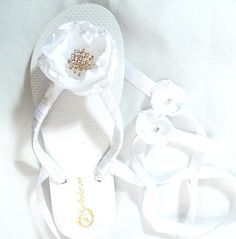 374a9cea0f3fe1 Adorable White with Flower Bow Crystals Flip Flops For Bride Destination  Wedding