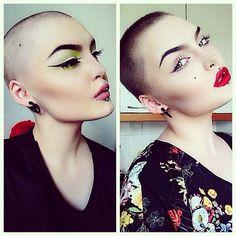 Make Up / mina de la derecha