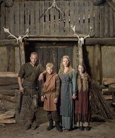 Nathan O'Toole y Ruby O'Leary son Bjorn y Gyda, hijos de Ragnar y Lagertha (Katheryn Winnick).