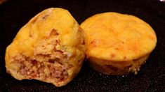 Keto Omelette Muffin Bite - & per 2 omelettes What's For Breakfast, Low Carb Breakfast, Breakfast Dishes, Breakfast Recipes, Overnight Breakfast, Breakfast Items, Breakfast Casserole, Ketogenic Recipes, Low Carb Recipes