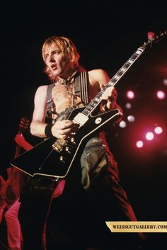 Phil Collen by Mark Weiss Def Leppard, Rock And Roll Fantasy, Phil Collen, Rock Of Ages, Stevie Ray Vaughan, The New Wave, Rock Legends, Keith Richards, Jimi Hendrix