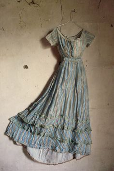 late regency tafetta silk dress (ca all hand-stitched some small holes and repairs, but the silk fabric is still strong Old Dresses, Vintage Dresses, Short Sleeve Dresses, Summer Dresses, Shabby Chic Antiques, Regency Dress, Duck Egg Blue, Antique Clothing, Electric Blue