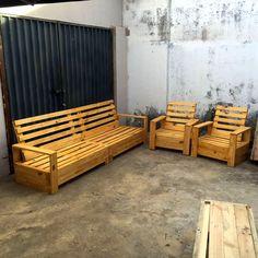 Repurposed Pallet Furniture Set   101 Pallets