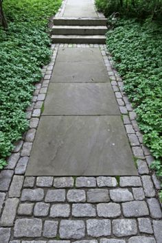 Garden Paving, Garden Paths, Concrete Garden, Concrete Slab, Garden Art, Patio Circulaire, Landscape Design, Garden Design, Paver Designs