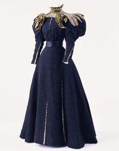 england gown 1890   Via Nicole Larson