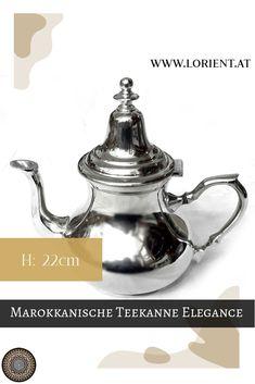 Unsere Teekannen sind Kunsthandwerksstücke, jede unterscheidet sich ein wenig von der Anderen.Wir erfreuen uns an der Schönheit und der Harmonie des marokkanischen Kunsthandwerkes, welches eine Jahrhunderte alte Tradition hat. #marokko #design #fes #marrakesch #teekanne #tee Fes, Messing, Ageless Beauty, Moldings, Tea Pots, Simple Elegance, Marrakech, Lights