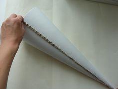 Abmessen der Schultüte mit einem Faden