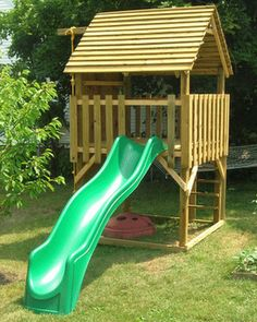 Kids Climber Playhouse plans Exactly what I was looking for Kids Playhouse Plans, Backyard Playhouse, Build A Playhouse, Wooden Playhouse, Backyard Playground, Simple Playhouse, Backyard Fort, Pallet Playhouse, Backyard House