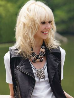 Taylor Momsen. Love this hair cut!