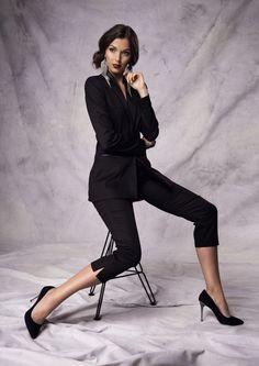 Blazer Seriosa, Trousers Esmeradla | Andrea Sauter Swiss Fashiondesign | Exclusive Collection Winter 2016/2017 | Photo by Ellin Anderegg 2017 Photos, Exclusive Collection, Trousers, Blazer, Chic, Winter, Fashion Design, Style, Shades