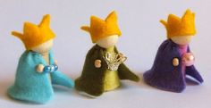 three kings made from peg dolls and felt Christmas Nativity, Felt Christmas, Christmas Colors, Christmas Themes, Christmas Crafts, Christmas Decorations, Christmas Ornaments, Wood Peg Dolls, Clothespin Dolls