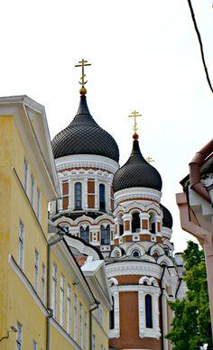 Travel: Tallinn in Estland Kirche #kirche #church #tallinn #estland #baltikum #europa #städtetrip #citytrip #travel #reisen #tips Helsinki, Beautiful Hotels, Beautiful Places, Oman Hotels, Oman Tourism, Cool Places To Visit, Places To Go, Reisen In Europa, Oman Travel