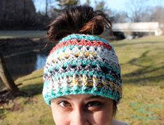 This messy bun hat has been a hot item this Winter! I made a chunky version in the earlier months of Winter, and have decided to make ...