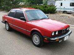 1985 325e - BMW  This is when I first noticed the BMW.  The ultimate driving machine!!