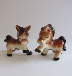 Pretty Pony- Vintage Salt & Pepper Shakers