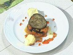 Timbal de berenjenas,  tomates y croutones de queso de cabra Tostadas, Eggplant Recipes, Pancakes, Beef, Breakfast, Food, Gourmet, Stir Fry, Salads