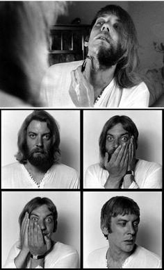 Donald Sutherland fotók - forrás: LIFE.com, taken by photographer Co Rentmeester in 1970 Mert a borotva jó barát, ugye?