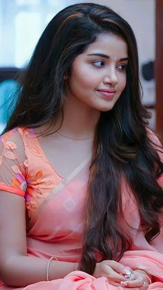 Beautiful Blonde Girl, Beautiful Girl Photo, Beautiful Girl Indian, Beautiful Women, Most Beautiful Bollywood Actress, Bollywood Actress Hot Photos, Beautiful Actresses, Stylish Girl Images, Stylish Girl Pic