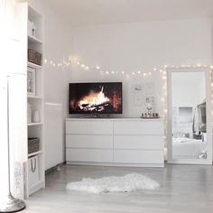 Minimalist Bedroom 320388960993289556 - Source by Cute Bedroom Ideas, Cute Room Decor, Room Ideas Bedroom, Home Bedroom, Bedrooms, Ikea Bedroom Design, White Bedroom Decor, Bedroom Storage, Aesthetic Room Decor
