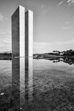 Oscar Niemeyer, Gonzalo Viramonte · Palácio do Congresso Nacional, 1960 · Divisare