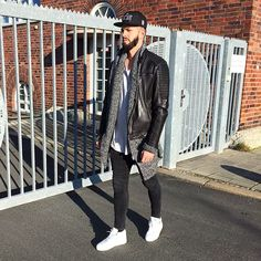 Mens Fashion – Designer Fashion Tips Fashion Moda, Urban Fashion, Love Fashion, Mens Fashion, Fashion Edgy, Fashion Design, Style Fashion, Leather Jacket Outfits, Men's Leather Jacket
