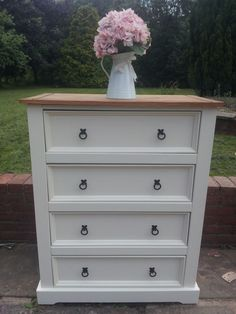 how to paint pine bedroom furniture – My Web Value - bedroom furniture makeover Pine Bedroom Furniture, Bedroom Furniture Makeover, Bedroom Dressers, Home Decor Furniture, Bedroom Sets, Shabby Chic Furniture, Rustic Furniture, Kitchen Furniture, Furniture Ideas
